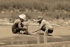 Kambodschanische Leute leben neben Tonle Sap See Stockfoto
