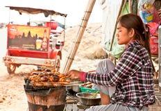 Kambodschanische Leute wohnen neben Tonle Sap See in Siem Reap, Kambodscha stockfotos