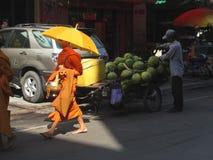 Kambodschanischer buddhistischer Mönch Lizenzfreies Stockfoto