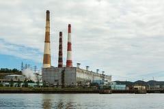Kamchatka CHPP-1 es la central térmico más grande de la bahía de Avacha Foto de archivo libre de regalías