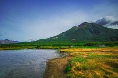 Kamchatka, parque natural, Rússia Khodutkinskiye Hot Springs no pé do vulcão Priemysh fotografia de stock royalty free