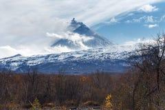 Kamchatka: view of explosive-effusive volcanic erupting Royalty Free Stock Photography