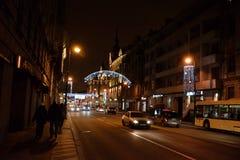 Kamennoostrovsky-Allee nachts Lizenzfreies Stockbild