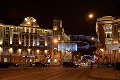 Kamennoostrovsky-Allee nachts Stockfotografie
