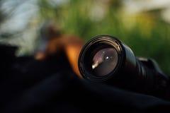 Kamera auf dem Feld Stockfotos
