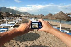 Kamera auf Strand Lizenzfreies Stockfoto