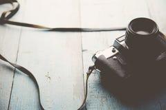 Kamera auf Tabelle Lizenzfreies Stockbild