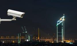 Kamera bezpieczeństwa monitoruje ruchu drogowego ruchu na odgórnym widoku c Obraz Royalty Free