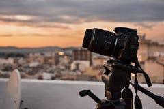 Kamera, die einen Schuss macht stockbilder