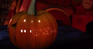 Kamera poruszająca wokoło Halloweenowej bani royalty ilustracja