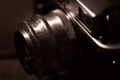 kamera som isoleras över rangefindertappningwhite Royaltyfria Foton