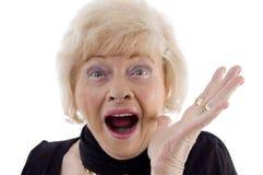 kamera som ser den gammala ståendekvinnan Royaltyfria Bilder