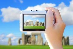 Kamera som tar fotoet med Stonehenge arkivbilder