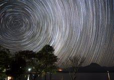 kamera spowodować globu przepływu narażenia rotacji jest gwiazda długo ciągnie Zdjęcia Stock