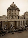 Kamera und Fahrräder Sepia Radcliffe Stockfotos