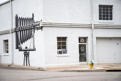 Kamera-Wandgemälde auf Gebäude stockbilder