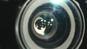 Kamera wideo obiektyw, pokazywać zoom i świecenie up, zwroty, zakończenie zbiory