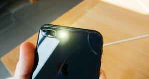 Kameraexponeringen ledde prålig ny iPhone 8 och iPhone 8 Plus i Apple S Royaltyfri Foto
