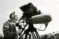 Kameramann, der die Szene filmt lizenzfreies stockbild