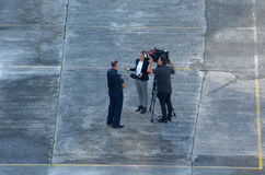 Kameramann And Reporter lizenzfreie stockfotografie
