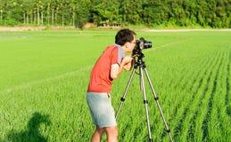 Kameramannarbeit in der Landschaft Lizenzfreie Stockbilder