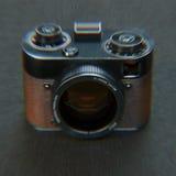 Kameran 3d för fotoet för tappning för avvikelsestylization framför den gamla Royaltyfri Fotografi