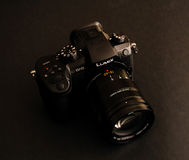 Kameraobjektiv neues Panasonics Lumix GH5 und Leica 12-60 Lizenzfreie Stockfotografie