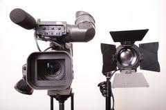 Kamerarecorder und Leuchte Stockfoto