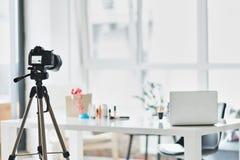 Kamerarecorderschießenprozeß der Mode blogging Stockbilder
