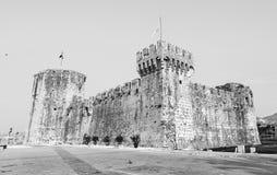 Kamerlengo是一个城堡和堡垒在特罗吉尔,克罗地亚, colorles 库存照片