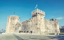 Kamerlengo是一个城堡和堡垒在特罗吉尔,克罗地亚 库存照片