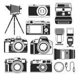 Kamery retro, nowożytni latarka i cyfrowi i rocznik obiektywy ilustracji
