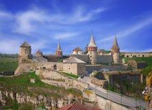 Kamianets-Podilskyi城堡在春天 库存图片