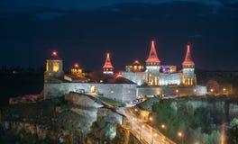Kamianets Podilskyi in der Nacht Lizenzfreies Stockbild