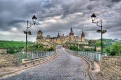 Kamianets-Podilskyi Schloss und türkische Brücke Stockfotografie