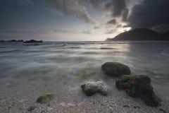Kamień i rafa przy plażą Obrazy Royalty Free