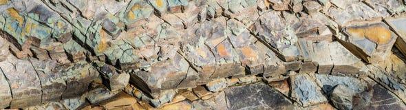 Kamie? drzazgi Argillite zamknięty w górę szerokiego tła zdjęcia royalty free