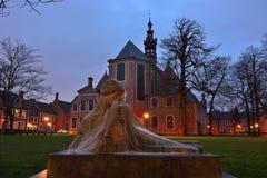 Kamień statua bardzo elegancka romantyczna kobieta Fotografia Stock