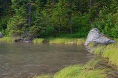 Kamień w Linia horyzontu jeziorze Obraz Stock