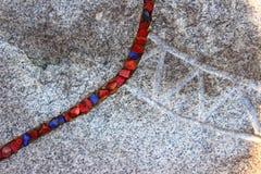 Kamień z barwionymi kamieniami Fotografia Stock