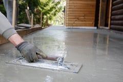 Kamieniarz niwelacja i screeding betonowa podłoga baza Fotografia Royalty Free