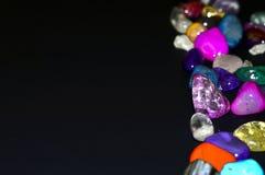 Kamienie, barwioni kryształy fotografia stock