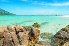 Kamienie i Jasny Morze zdjęcia royalty free