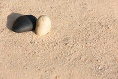 Kamienie na piasku Zdjęcie Stock