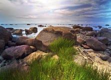 Kamienisty wybrzeże zatoka Finlandia Blisko St Petersburg Rosja Obrazy Stock