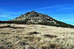 Kamienisty wzgórze nazwany Violik w Gigantycznych górach Obraz Royalty Free
