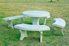 Kamienna ławka w parku fotografia royalty free