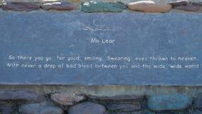 Kamienna ławka wzdłuż Dingle półwysepa Zdjęcie Royalty Free