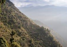 Kamienna ścieżka w górach obrazy stock
