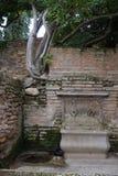 Kamienna dekoracyjna fontanna, Alhambra uprawia ogródek, Granada, Hiszpania obrazy stock